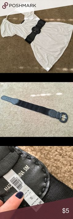 ✨Like New✨ Black Buckle Elastic Waist Belt 💕Perfect Condition💕 length approx 24in. Accessories Belts