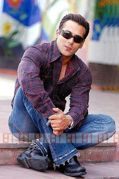 Sunglasses India - Buy Sunglasses Online In India From Your Trusted Sunglass Store Salman Khan Photo, Aamir Khan, Bollywood Stars, Bollywood Fashion, Bollywood Celebrities, Salman Khan Wallpapers, Indian Star, Mens Bootcut Jeans, Stylish Girls Photos