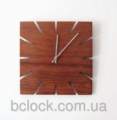Квадратные настенные часы из дерева от компании B'Clock. Bclock.com.ua