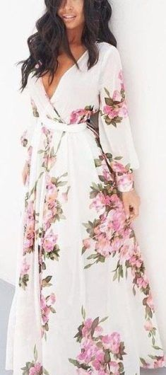 This beautiful floral wrap maxi dress is so gorgeous 2017