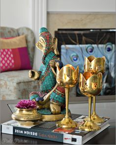 Come summer and we slip into roads. This summer is no different. Heading for a week of fun at a girlfriend and looking forward for some downtime with tons of shopping ☺️☺️. Until we meet again enjoy your weekend and Friday. #friday#weekend#ganesha#brass#brassdiya#indianhome#interiordesign#interiors#instadaily#instadecor#indianinspired#indianhomedecor#brass#brassganesha#pinkzpassion#onthetable#coffeetabledecor