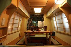 MIYABl Toyota Hi-Ace Van amazing tiny japanese interior Airstream Interior, Campervan Interior, Campervan Ideas, Van Living, Tiny House Living, Van Dwelling, Japanese Interior Design, Camping Car, Camping Hacks