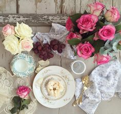 """""""Hello sunshine! A very colorful table to match the mood of the day! """""""