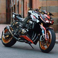 Kawasaki Cafe Racer, Kawasaki Motorcycles, Cool Motorcycles, Motorcycle Wheels, Moto Bike, Ninja Motorcycle, Motorcycle Engine, Z 1000, Street Bikes