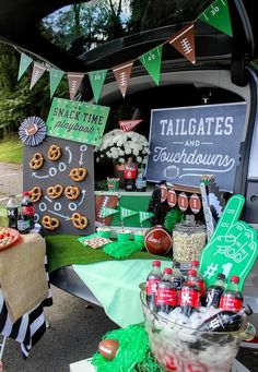 Bring on the fall football fun! I recently teamed up with Coca-Cola® and Walmart to share some easy and creative tailgate ideas with all of you! Printable Designs, Free Printables, Pretzel Snacks, Fall Football, Share A Coke, Love Games, Game Day Food, One Design, Tailgating