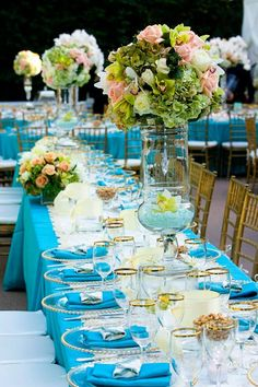 Contemporary Wedding Reception Ideas - MODwedding AQUA tablecloths http://www.modwedding.com/2014/05/21/classic-meets-contemporary-wedding-reception-ideas/#!prettyPhoto[1]/http://www.modwedding.com/wp-content/uploads/2014/05/wedding-reception-ideas-28-05212014nz.jpg