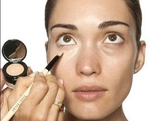 """MAKEUP TIP: Apply concealer using dabbing motions in a """"V"""" shape under your eyes, then buff inwards. This melts the concealer and helps it blend so that it effectively covers dark circles while still looking natural. Beauty Makeup, Eye Makeup, Hair Makeup, Hair Beauty, Beauty Stuff, Covering Dark Circles, Dark Circles Under Eyes, Eye Circles, Tips And Tricks"""