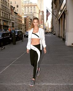 The BEST Athleisure Brands for the Lazy Fashionista Athlete Sports Day Outfit, Sport Outfits, Summer Outfits, Sport Fashion, Fitness Fashion, Girl Fashion, Fashion Outfits, Nina Agdal, Celebrity Beauty