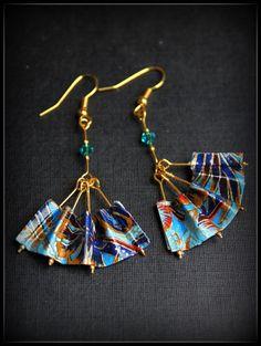 Blue Fan Origami Earrings - Aretes en origami abanico azul