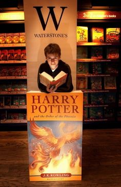 Sean Biggerstaff (aka Oliver Wood) at Harry Potter section!