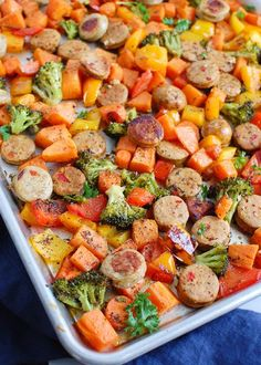 Sheet Pan Chicken Sausage and Vegetables is great for meal preparation for the week. All of your ingredients roast on one baking sheet for minimal clean-up and an easy, healthy meal. Chicken sausage and colorful vegetables are mixed with olive oil and your favorite spices for the perfect lunches or dinners during the week. Clean Eating Recipes, Cooking Recipes, Healthy Recipes, Pan Cooking, Healthy Lunches, Meal Recipes, Healthy Dinners, Family Recipes, Drink Recipes