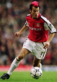 (Freddie) Ljungberg But Football, Arsenal Football, Arsenal Players, Arsenal Fc, Soccer Stars, Sports Stars, Fifa, English Premier League, Soccer Training