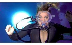 Scuba Girl, Underwater Photography, Snorkeling, Scuba Diving, Under The Sea, Wetsuit, Retro Vintage, Surfing, Aqua