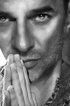 DAVE GAHAN  The eyes... it's all about the eyes!
