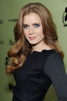 Amy Lou Adams is an American actress. Amy Adams began her career on stage performing in Dinner theaters and Actress Amy Adams, Medium Hair Styles, Long Hair Styles, Strawberry Blonde Hair, Hottest Redheads, Actrices Hollywood, Her Hair, Hair Inspiration, Hair Beauty