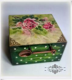 Tea Time czyli Five o'clock! - herbaciarka z różą - Decoupage