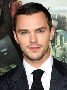 Nicholas Hoult as Jowan, an apprentice mage who is Kiera's best friend. He falls in love and convinces Lily and Kiera to help him escape and proves himself to be a blood mage in the process (The Dalish Warden/Found) Nicholas Hoult, Beautiful Eyes, Gorgeous Men, Beautiful People, British Boys, British Actors, Divas, Handsome Actors, Raining Men