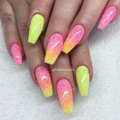 Candynails #naglar #nagelkär #nagelteknolog #naglarstockholm #nagelförlängning #uvgele #gele #gelenaglar #gelnails #nails #nailart #nailswag #lillynails #nailfashion #nailpassion #nailobession #nailextensions #dopenails #blingnails #passion #love #kimmienails #hudabeauty