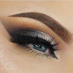 Warm smokey eyes