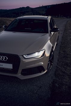 Ideas Cool Cars Audi Vehicles For 2019 Luxury Sports Cars, Audi Sports Car, Best Luxury Cars, Sport Cars, Rs6 Audi, Audi Suv, Fancy Cars, Cool Cars, Bugatti