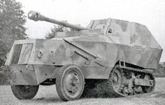 Captured converted by the German Army into a tank destroyer with a Pak 40 German Soldiers Ww2, German Army, Self Propelled Artillery, Armoured Personnel Carrier, Military Armor, Tank Destroyer, Armored Fighting Vehicle, Military Pictures, Ww2 Tanks