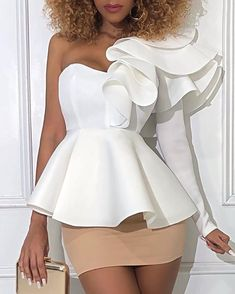 Shop One Shoulder Layered Ruffles Blouse right now, get great deals at Chiquedoll. Classy Dress, Classy Outfits, Chic Outfits, Fashion Outfits, African Print Fashion, African Fashion Dresses, African Dress, Trend Fashion, Womens Fashion