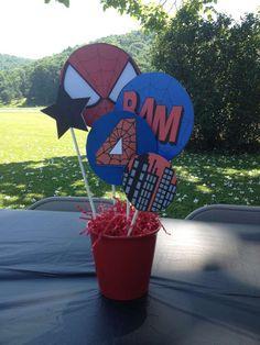 Superhero 4th Birthday | CatchMyParty.com Centerpiece Spiderman