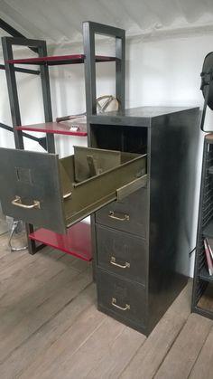 1000 images about meubles de rangement on pinterest upcycling loft and ar - Mobilier industriel nantes ...