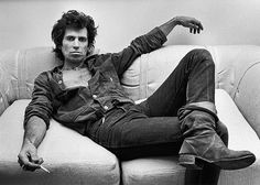 the only things mick and i disagree about is the band, the music and what we do ― keith richards | keith richards | new york 1980 | foto: george rose