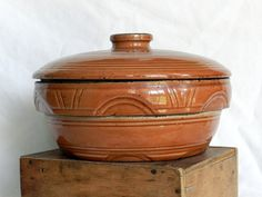 Watt Pottery Arches Covered Casserole
