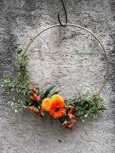 Detail from a wonderful autumn wedding Wedding Orange, Fruit Arrangements, Autumn Wedding, Flower Designs, Fancy Party, Wreaths, Detail, Green, Dan