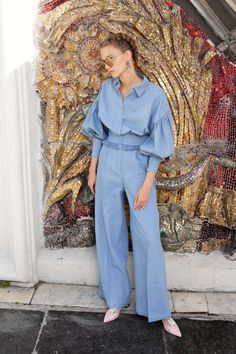 Alena Akhmadullina Spring 2018 Ready-to-Wear Fashion Show Collection: See the complete Alena Akhmadullina Spring 2018 Ready-to-Wear collection. Look 4 Fashion 2018, New York Fashion, Runway Fashion, Fashion Dresses, Estilo Jeans, Classy Work Outfits, Batik Dress, Fashion Show Collection, Mode Inspiration