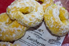 Zuccherini - Italian Lemon Cookies from La Bella Vita Cucina: A classic Italian cookie recipe you Can bake in your own home! Italian Lemon Cookies, Italian Cookie Recipes, Italian Cake, Italian Desserts, Italian Foods, Pear And Almond Cake, Almond Cakes, Shortbread, Cookie Sandwich