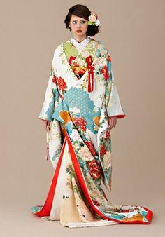 打掛 707 Kimono Dress, Floral Kimono, Kimono Top, Kimono Japan, Japanese Kimono, Traditional Wedding Dresses, Traditional Outfits, Wedding Kimono, Japanese Wedding