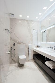 современный санузел, унитаз с инсталляцией в стене, унитаз без бачка подвесной.