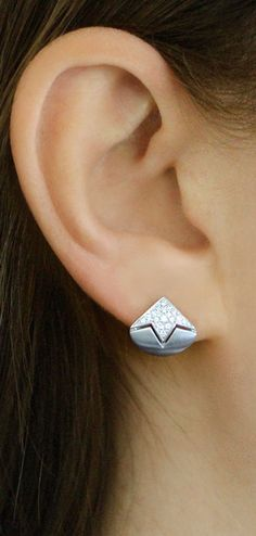 Bringing together art deco and contemporary styles, these sandblasted huggies are sure to wow. #diamonds #earrings #danarebecca