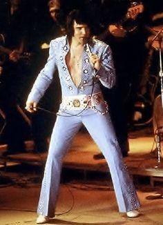 Elvis Presley || Hampton Roads Coliseum April 9, 1972 (8:30 pm). Hampton Roads, Virginia Tickets: 10,650 Costume: Blue Nail Suit