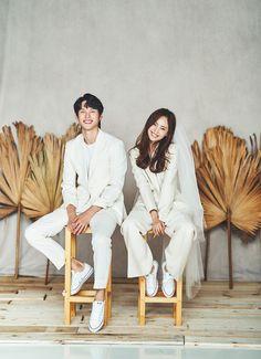 Pre Wedding Poses, Pre Wedding Photoshoot, Wedding Shoot, Korean Couple Photoshoot, Couple Shoot, Korean Wedding Photography, Romantic Wedding Photos, Minimal Wedding, Wedding Mood Board