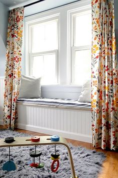 Curtains with a window seat. I also like the bead board under the window seat. Bedroom Built Ins, Master Bedroom, Reading Nook Kids, Window Benches, Window Seats, Window Curtains, Ceiling Curtains, Nursery Curtains, Window Panels