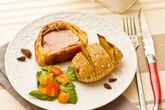 Un filet mignon moelleux en croute de pâte feuilletée avec du foie gras et des morilles.