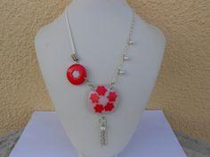 collier en rouge et blanc fimo de elisabijoux sur DaWanda.com