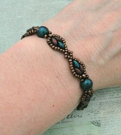 Linda's Crafty Inspirations: Bracelet of the Day: Francis - Indigo Orchid