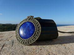 Sono felice di condividere l'ultimo arrivato nel mio negozio #etsy: Collana Pietra Dura Lapis Lazuli Ciondolo Macrame Medaglione Tondo Pietra Chakra Gola Collana Fatta a Mano Gioielli Etnici Regali per Lei https://etsy.me/2qWy5p6