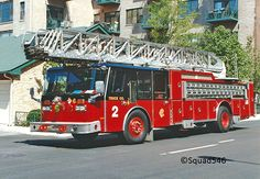 Chicago Fire Department 100' aerial ladder Truck 2 E-ONE