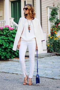 White is right #proseccoandplaid wearing @paigedenim white jeans @stevemadden leopard heels, @CapwellandCo necklace and @brahmin camden cross body bag