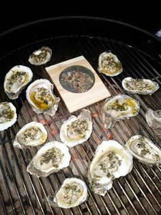 Grilled Oysters with Citrus Garlic Butter Grilling Planks, Grilled Oysters, Oyster Recipes, Summer Bbq, Grubs, Garlic Butter, Fish And Seafood, Appetizers, Smoke