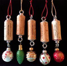 5 Wine Cork Christmas Ornaments by WineCorkGoodness on Etsy Christmas Tree Set, Christmas Gift Decorations, Christmas Ornament Crafts, Christmas Wine, Handmade Christmas, Holiday Crafts, Xmas, Wine Cork Projects, Wine Cork Crafts