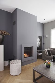 45 perfect modern fireplaces for winter decor ideas 17 - Homeadzki Website Bedroom Fireplace, Home Fireplace, Fireplace Design, Living Room Grey, Interior Design Living Room, Home And Living, Foyer, Decoration, Modern Fireplaces