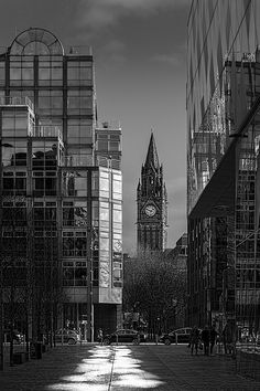 View of Manchester Town Hall from John Rylands Library, Deansgate. I Love Manchester, Manchester England, Manchester United, Great Places, Beautiful Places, Places To Visit, Places In England, Salford, Great Britain