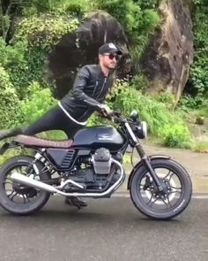 Moto Guzzi, the Italian beast!- Moto Guzzi, the Italian beast! Moto Guzzi is an Italian motorcycle manufacturer and the… - Motor Cafe Racer, Cafe Racer Bikes, Cx500 Cafe Racer, Triumph Cafe Racer, Cafe Racer Motorcycle, Motorcycle Hair, Grom Motorcycle, Motorcycle Quotes, Concept Cars